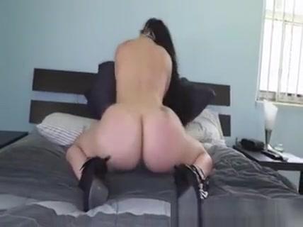 Carmen Deluz Giant Ass Hot Teasing Sexy xdressers