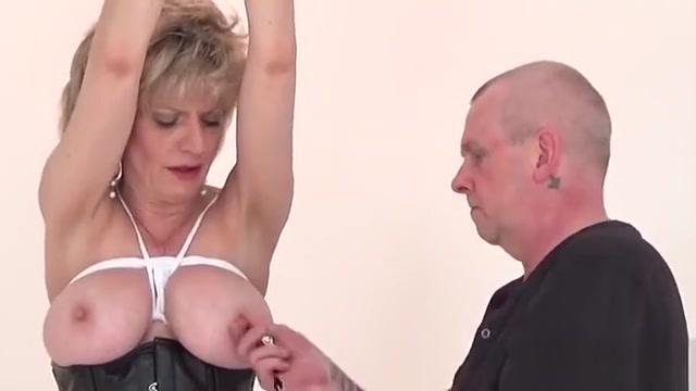 Unfaithful English Mature Gill Ellis Presents Her Giant Tits