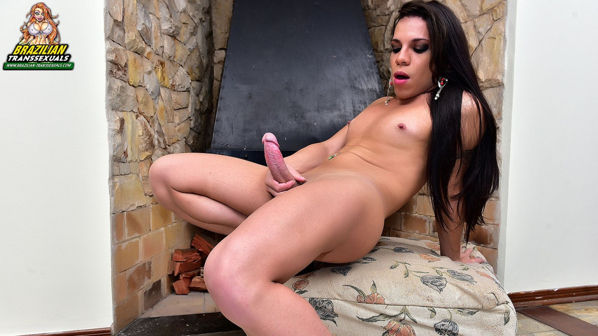 Ariane de Brito in Ariane de Brito Jacks Off - Brazilian-Transsexuals amature outdoor sex videos