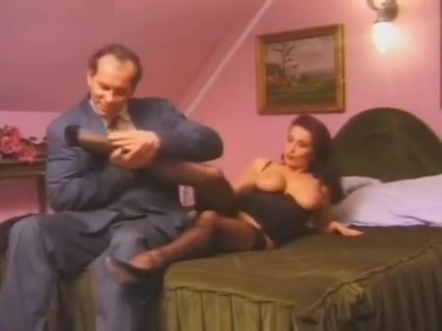 Italian Monica fucks her lover Hilda campbell