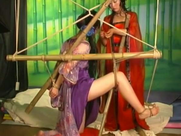 C? trang bondage Nude videos of lesbian
