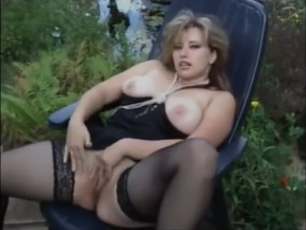 mrs. liebesrausch-germany amateur beauty smoking and peeing outdoor Women seeking sex in Daejeon