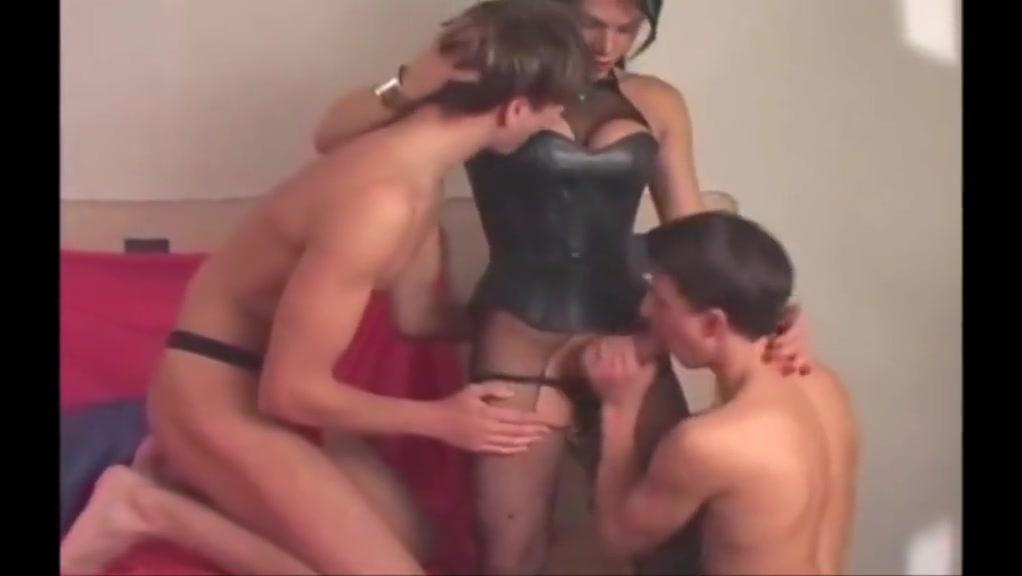 Patricia Shemale Mutual Penetration Threesome Mature fart porn