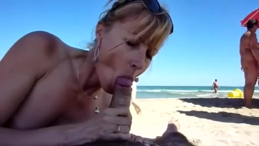 French Babe blowjob on beach Don t look now midget