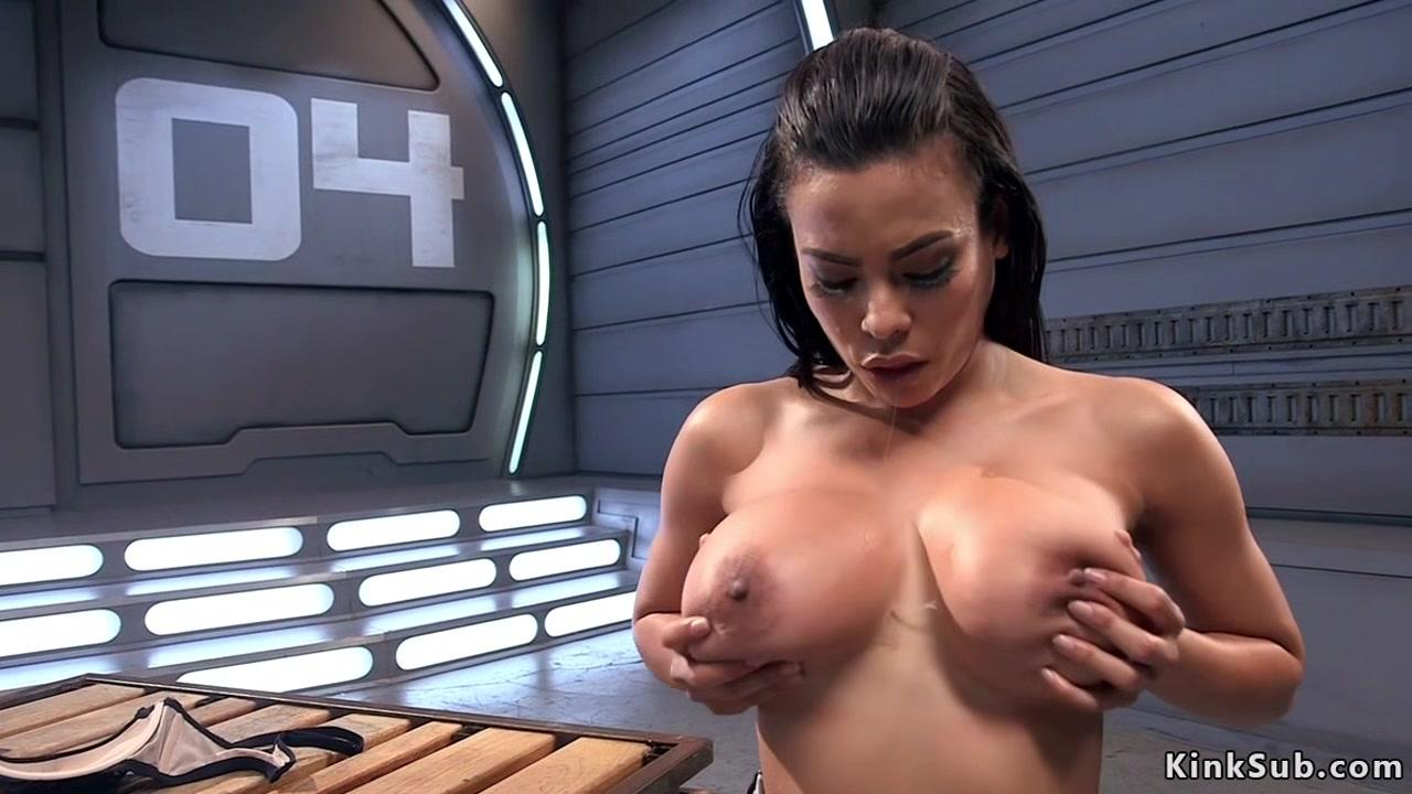 Huge tits sweat Latina fucks machine Big butt milf anal