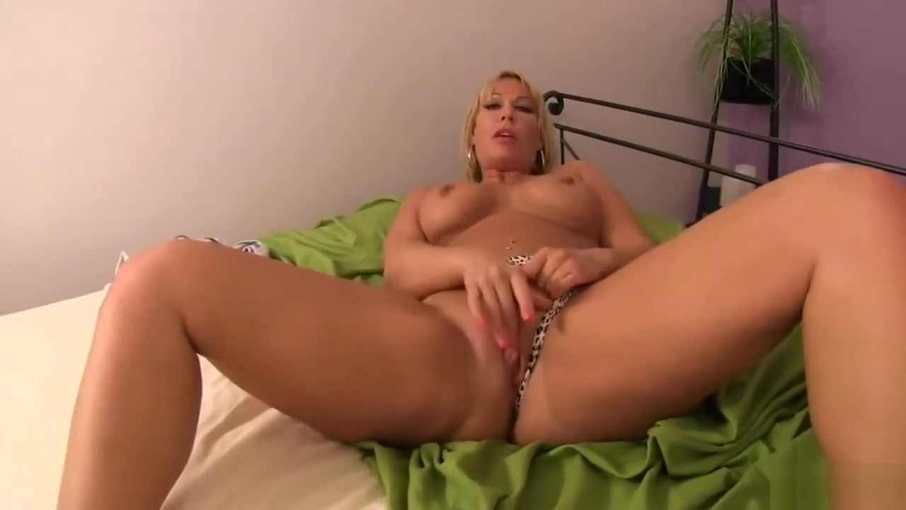 Do You Think Im Sexy Son? - Mellanie Monroe Big ass titties dubstep