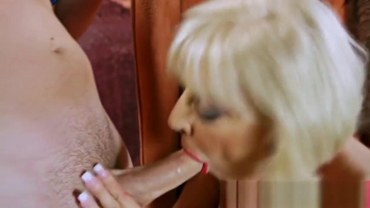 Big Breasted Mature Loves Stiff Dicks Massage Boobs Lesbian