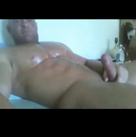 Muscle big pecs stroking 231018 gay o meter test