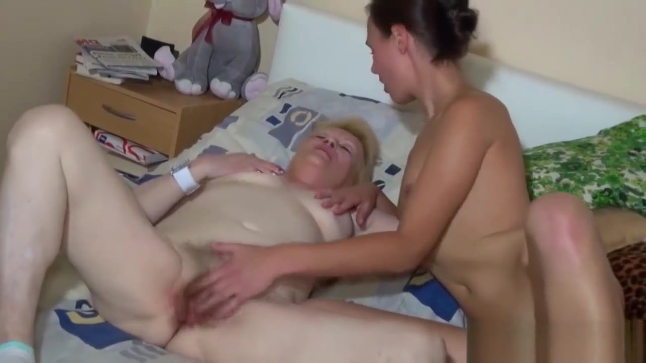 Slim Babe And Granny Sucking Cock fort man nude wanye