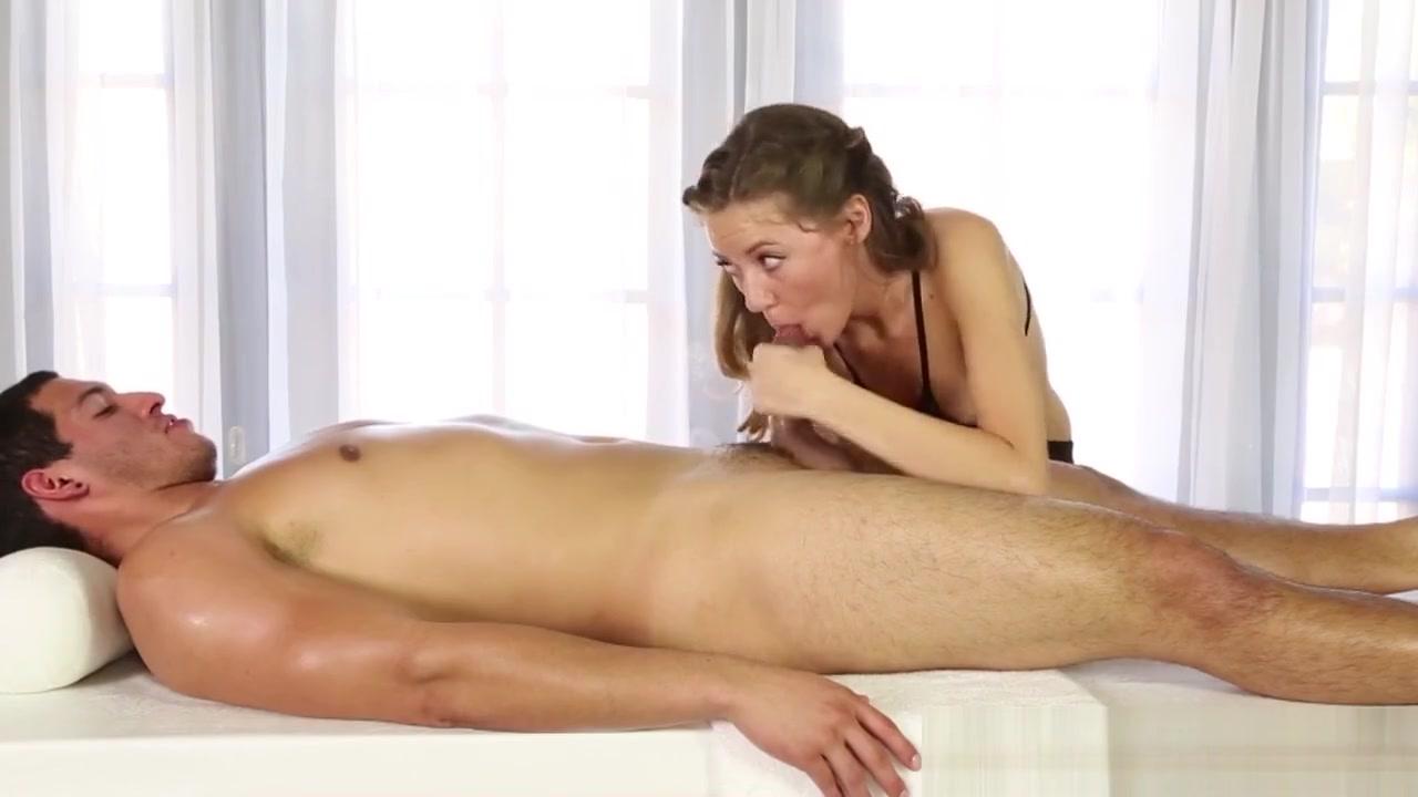 Teen Masseuse Tugging Rod Vagina Pisse