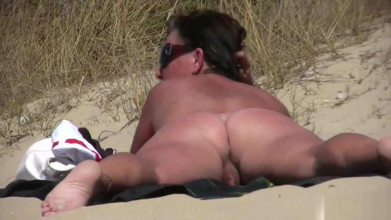 Amateur Nudist Voyeur Fat Milf Close-up Video All lubed up