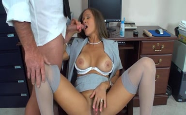 brunette milf and the printer guy can you get pregnant if you have sex in water