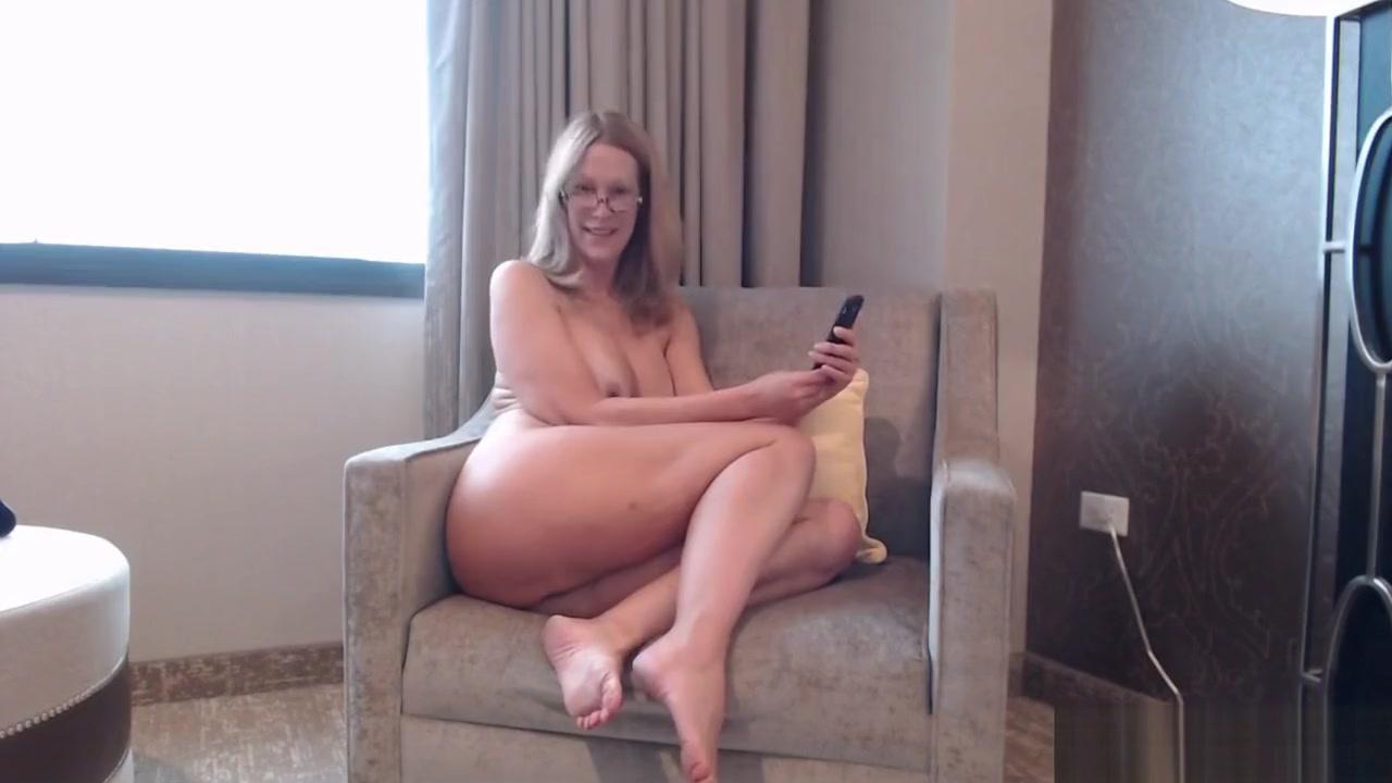 Pawg Milf Camgirl Jess Ryan Twerking And Flashing In Hotel Room
