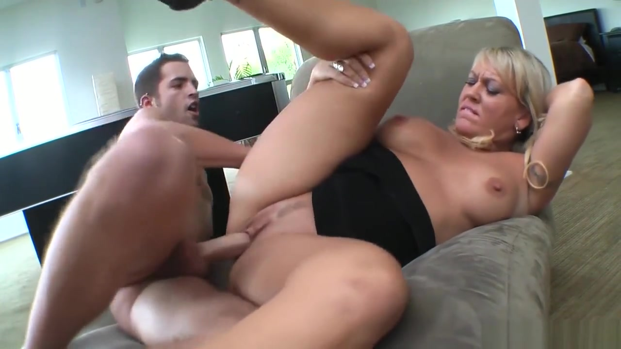 Big Tit Blonde Mom Fucked Beside Pool Table African Wife Sex Video