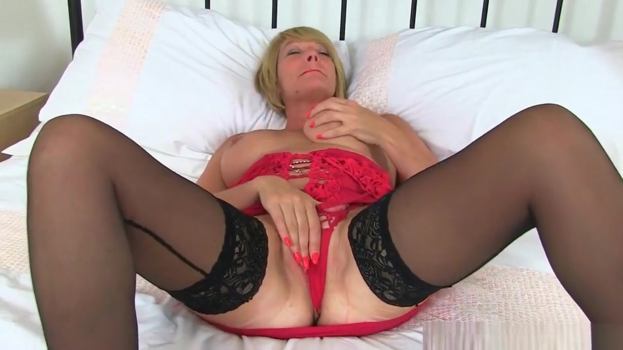 British Milfs Love A Good Dildo Fuck Awesome sex pics