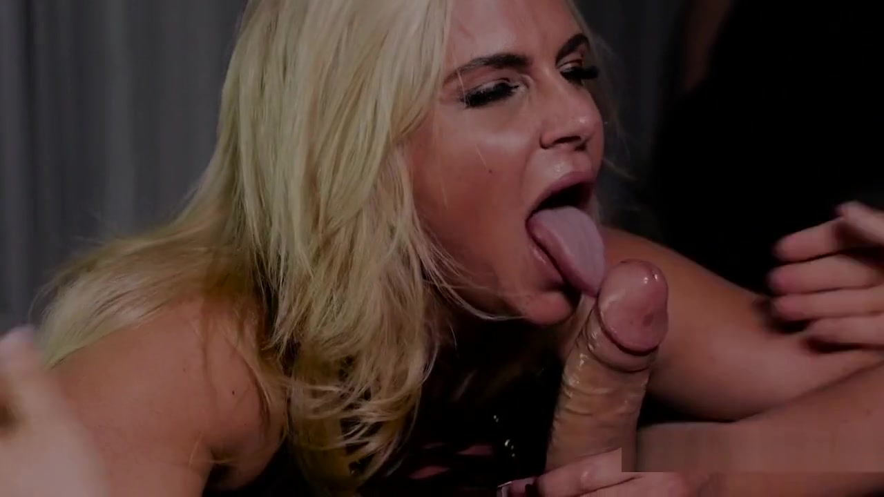 Busty Milf Likes To Fuck In Front Of Husband hanna montana xxx fake