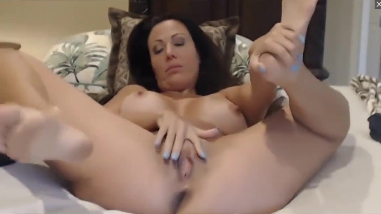 AMY FISHER FINGERING HER TIGHT LITTLE CUNT live Black bitch loves anal