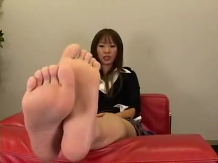 Enchanting Japanese Ladies Putting Their Sexy Little Feet O