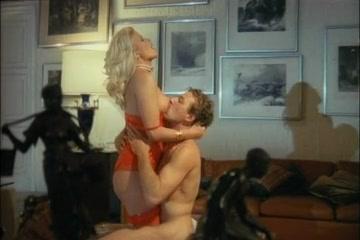 Altri desideri di Karin (1987) Erotic naked lick cock on beach