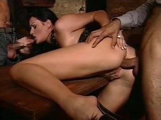THREESOME Teen sucking dick porn