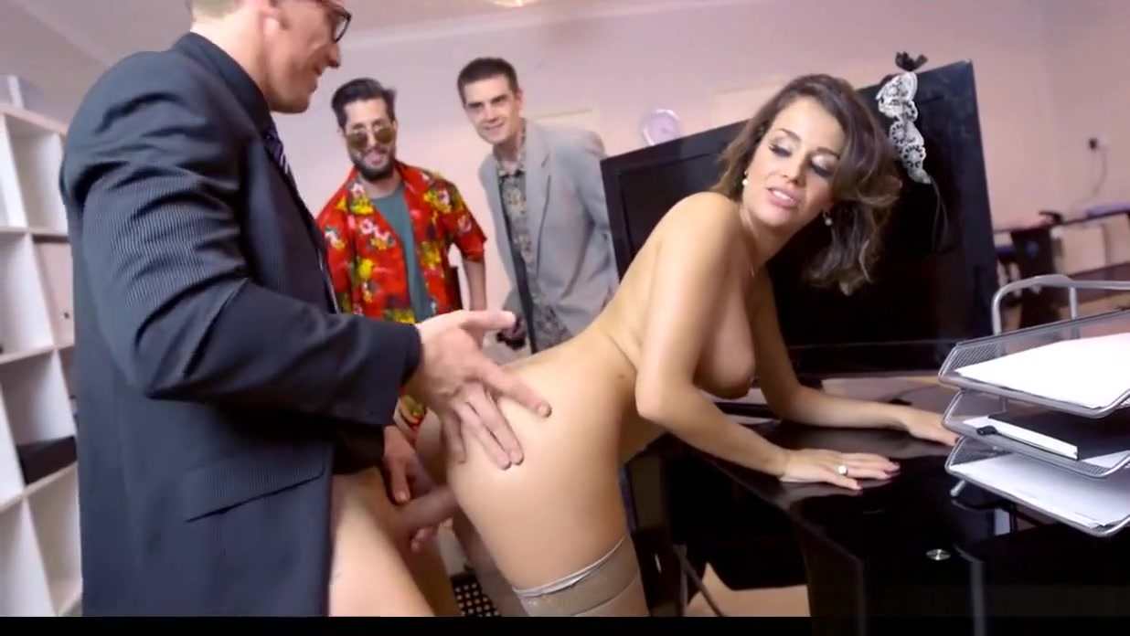 Slut Gets Pounded At Work Dating site zo urban free