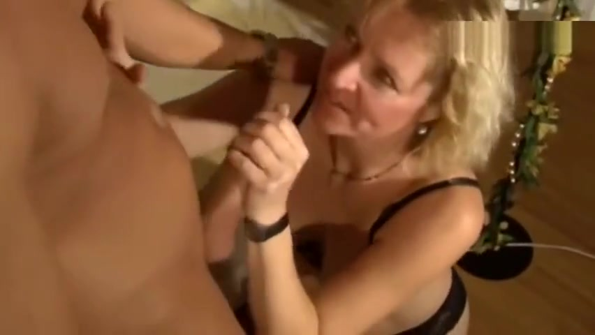 Old German blonde enjoys having sex with a young guy chinese black beans producers