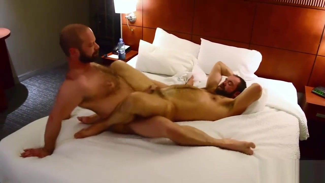 Topher Phoenix Takes MuscleBull Raw Hot girl fisting and cumshot