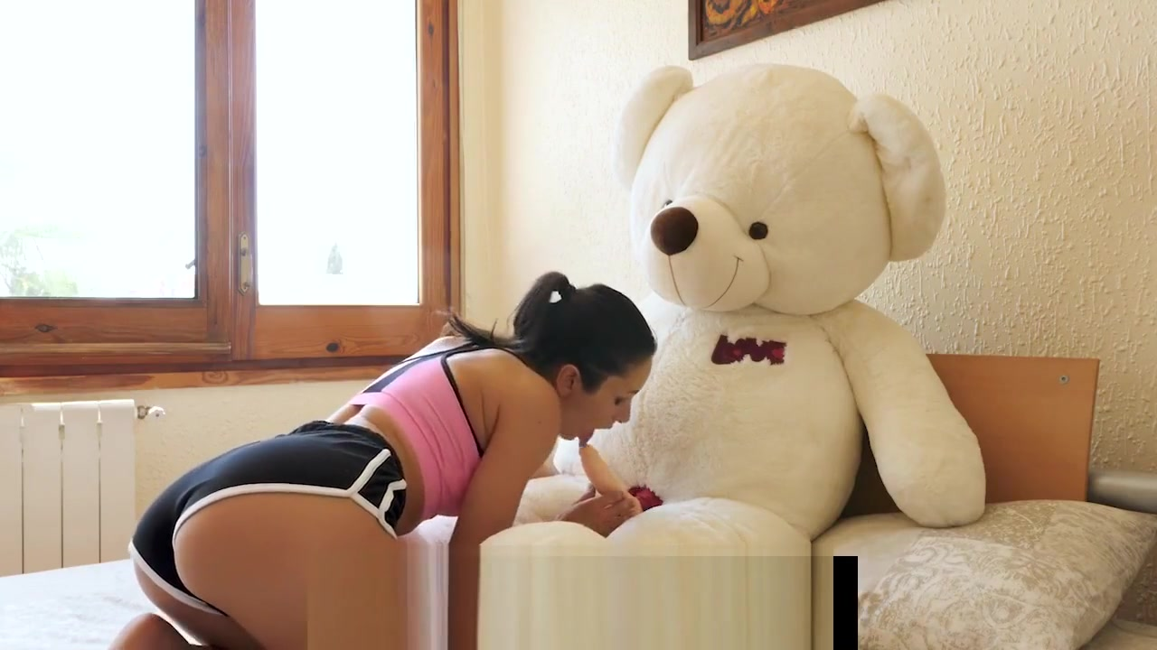 Yoga sex with Valentina Bianco and teddy bear Miguel at villa Fakhera Going naked at home