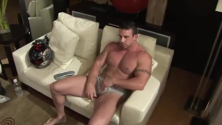 Xavier Muscle Jerks Off Eaten out until orgasm