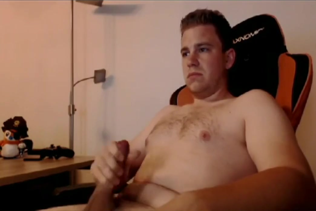 German Dude Gives Free Live Show on Skype Stocking ass