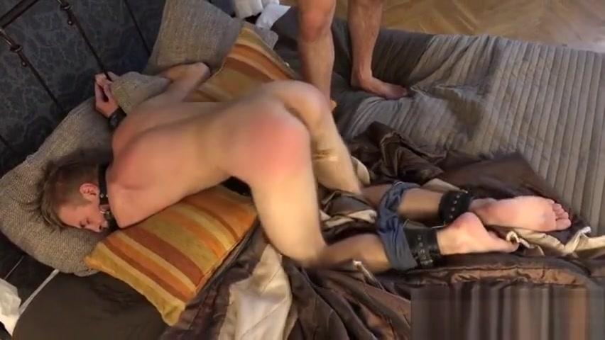 Hot twinks spanking and cumshot naked guys jacking