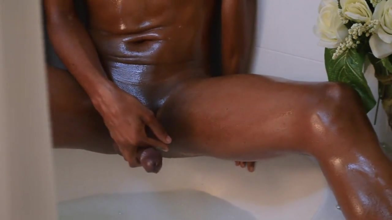 Sexy Moaning Black Twink Cums in Bath Mia The Mouth Masseuse