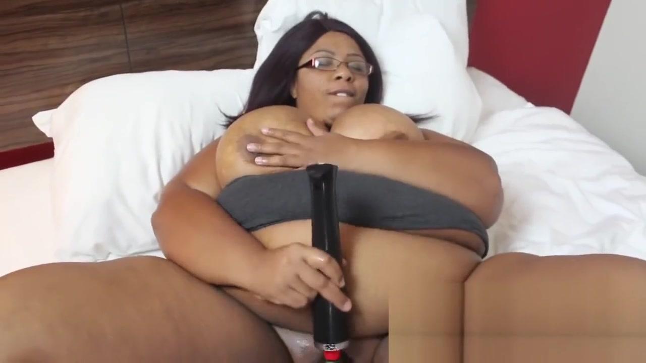 Pussy Play Bear chubby gay pic