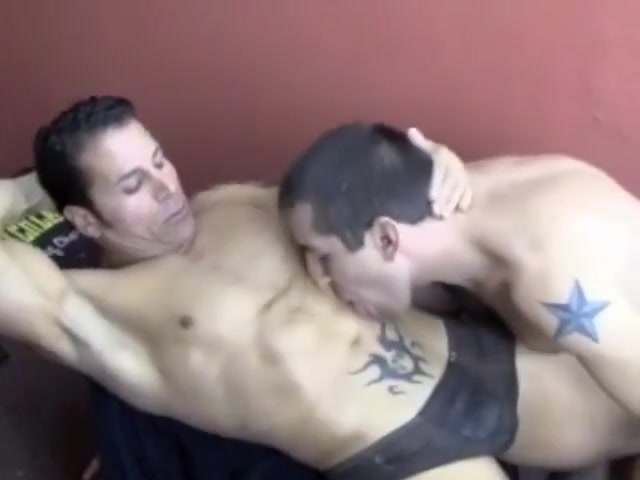 Hunk Gets His Belly Button Licked And Fingered Naked girl likes anal
