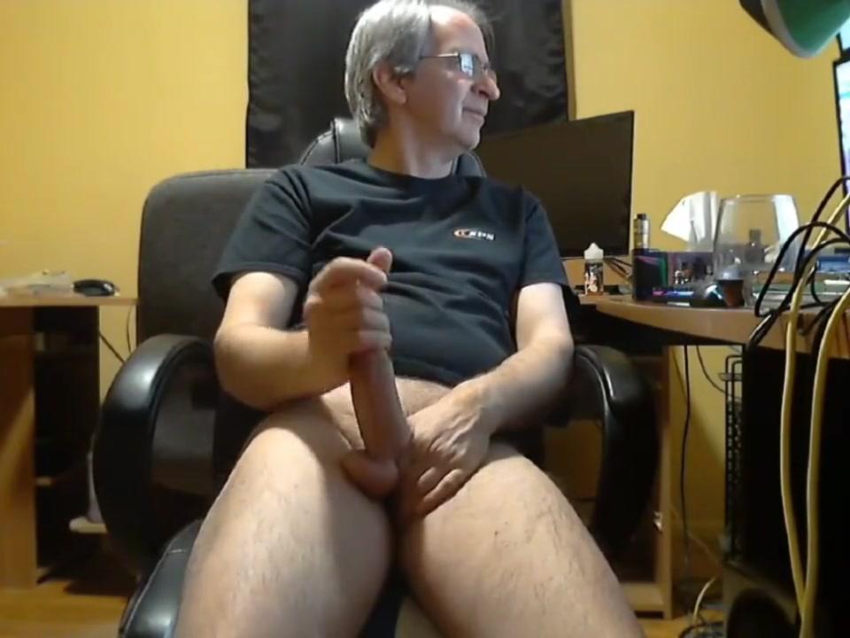 Masturbating Daddy 001 sex tape of avril lavigne