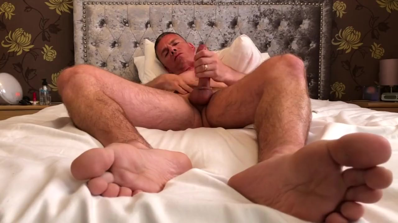 Lick My Big Feet While I Wank and Cum For You! Foot Fetish Jerk Off Famous people from knoxville tn