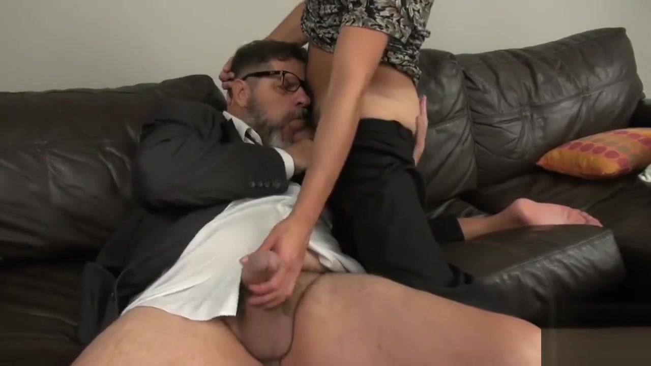 Go Deep Daddy three men with one girl sex picturea