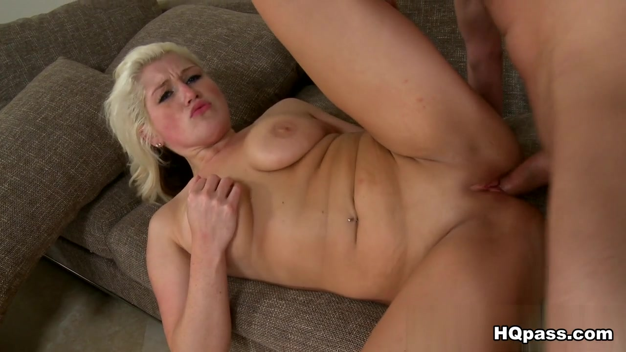 Jack Spade, Brittany Hart in Sex appeal Scene naked women and men oral sex