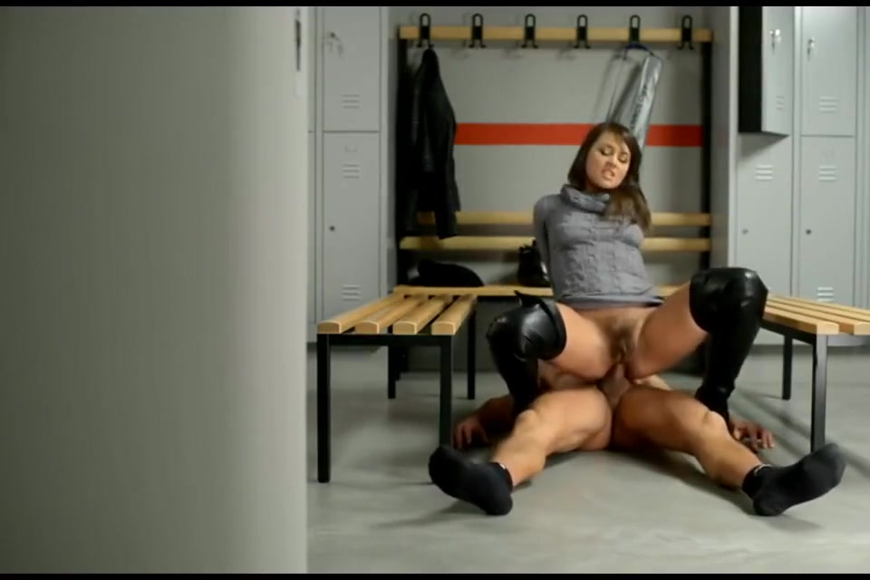 Antons Cum on Shoes Compilation No 27 Sexy blonde babe gets her cunt licked