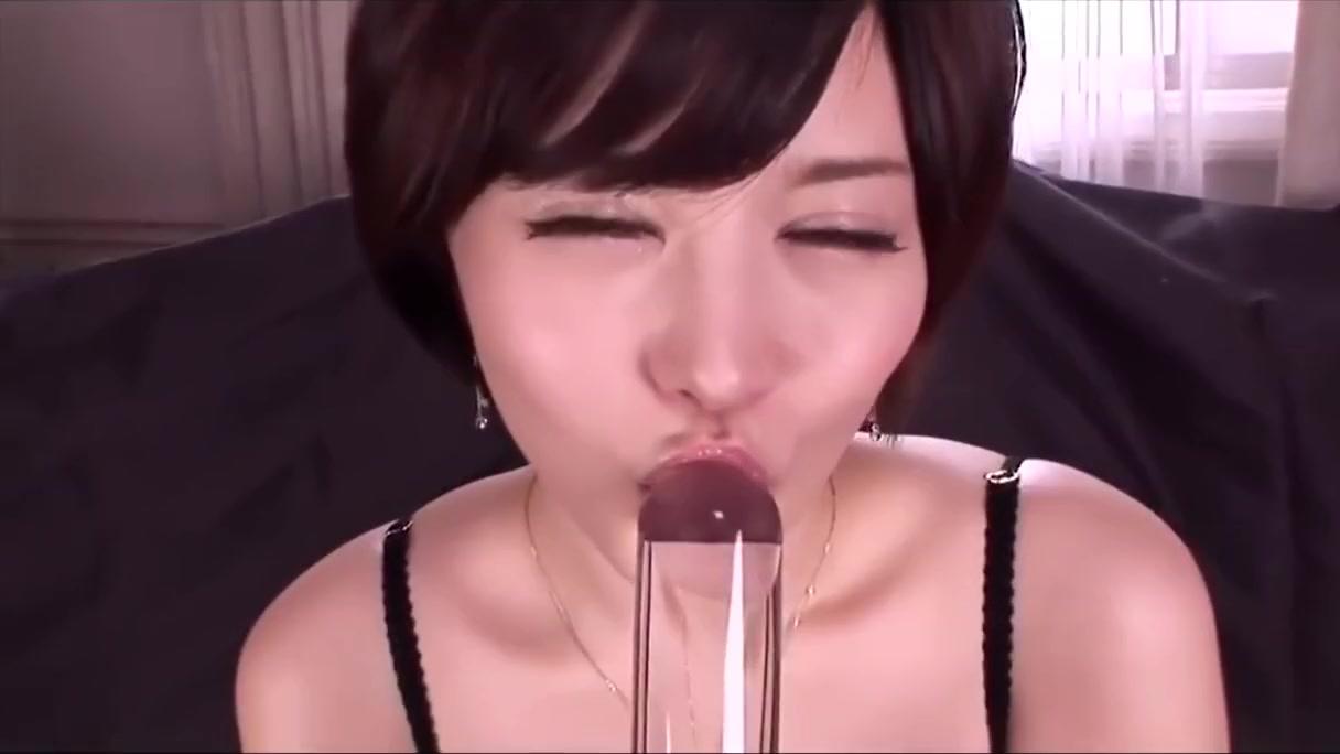 【里美ゆりあ】イメージビデオみたいな透明な筒をフェラチオカメラ目線で誘惑するお姉さん