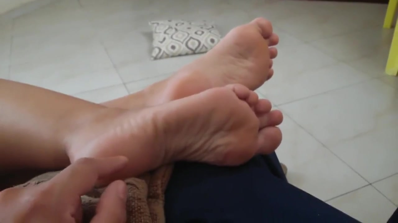 Tickle wife sleep soles my girlfriend wont have sex