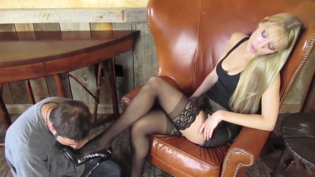 rene has slave worshipping her nylon covered feet Smaltits mature pussylicking in sixtynine