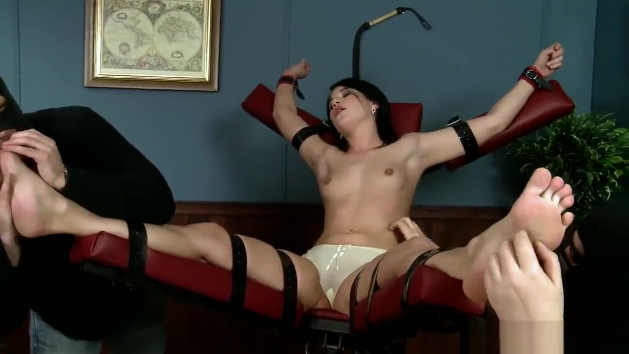 Tickling Submission - Tickling Party - Patricie