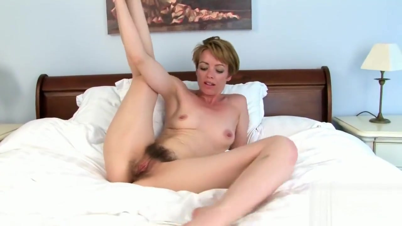 Joely (Maria) lovely British milf spreading for us Sexual fucking xxx live girls in Pleven