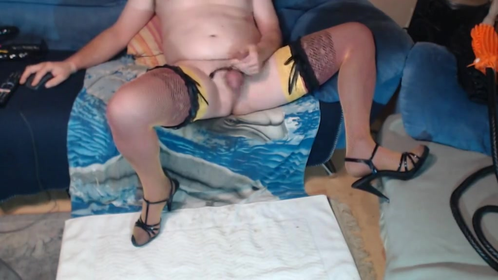 BLACK TOY IN ASSHOLL milf stockings suspenders masturbating