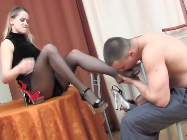 TOP SHOEJOB footjob the young and the old
