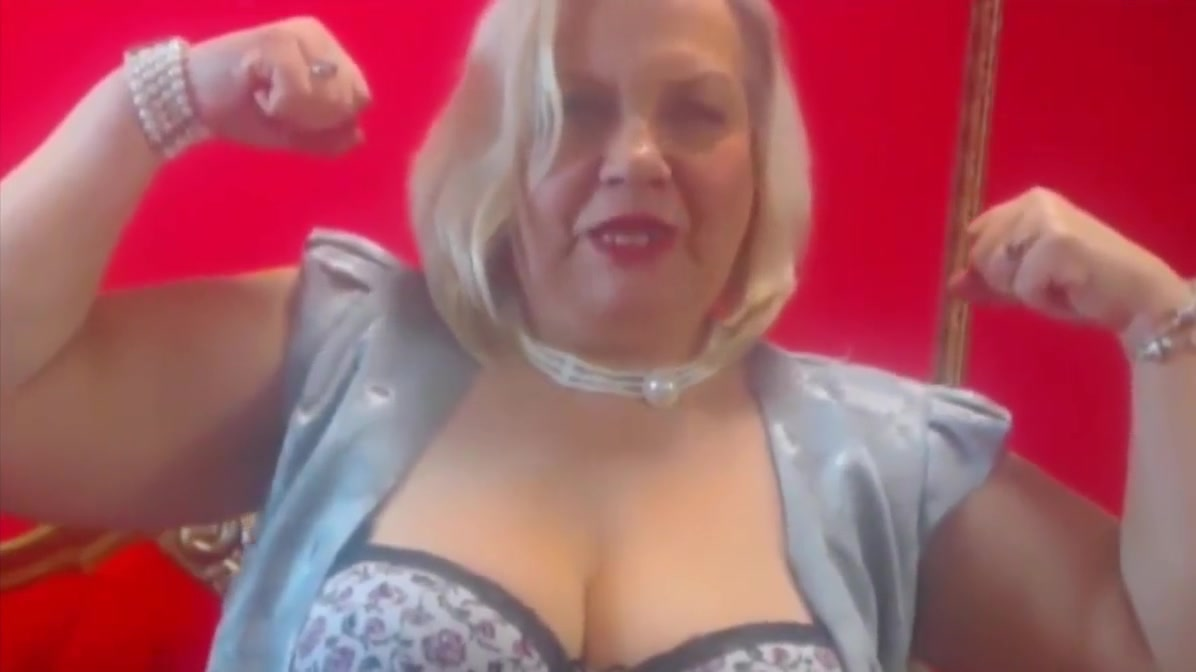 Amazing strong BBW granny flexes her huge muscles hairy chested gay arabs