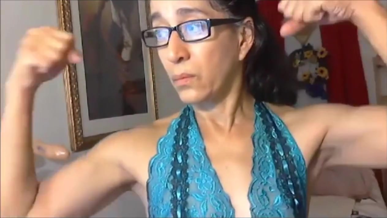 Latina granny flexex her calves and biceps How to tell if your relationship is in trouble