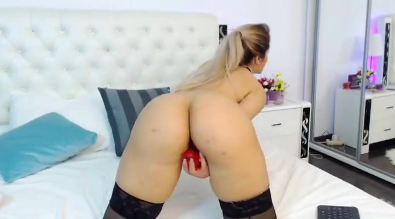 Hot Blond Girl on Cam sex with a hores