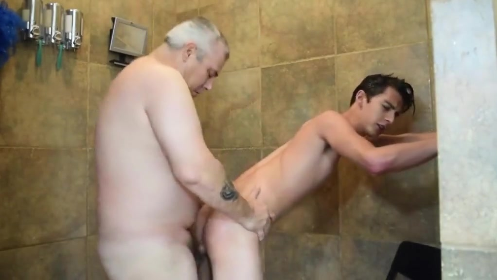 Daddy JP shower fuck Cougar life hookup pics funny story